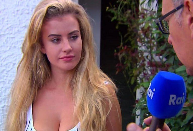 Chloe Ayling body measurements boob job lips